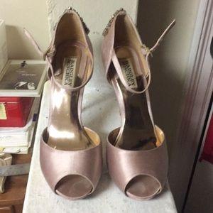 Gorgeous Badgley Mischka Pink Satin Heels 7.5M